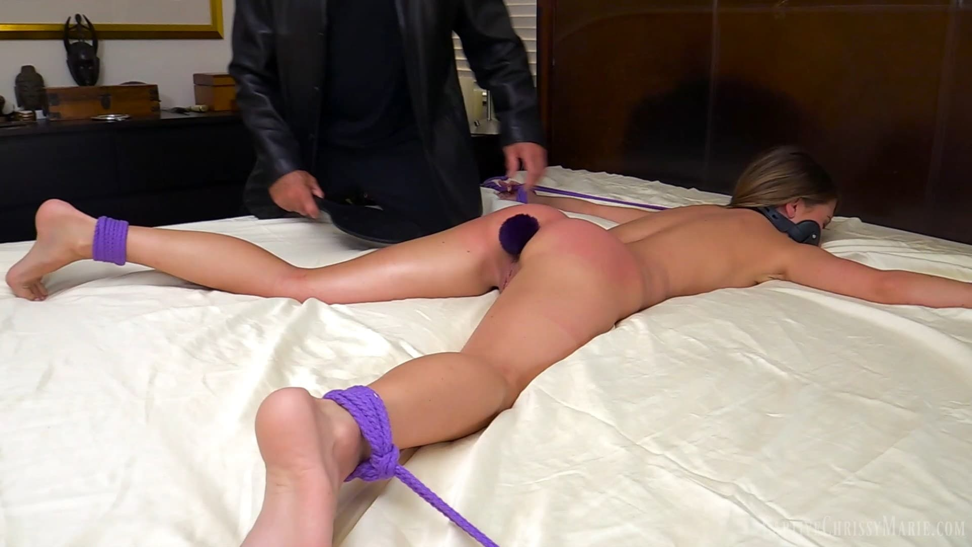 Captive Chrissy Marie – MP4/Full HD – Chrissy Marie – Batgirl Vs The Slave Traffickers