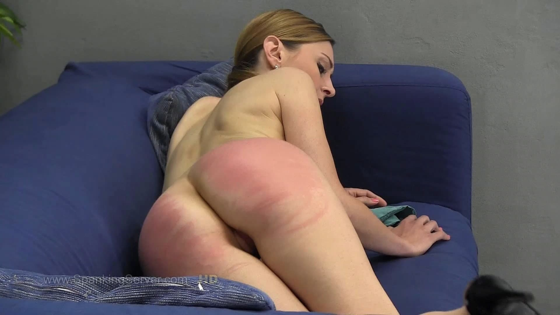 Spanking Server – MP4/Full HD – Luca Bella – 2021 – 04 Week