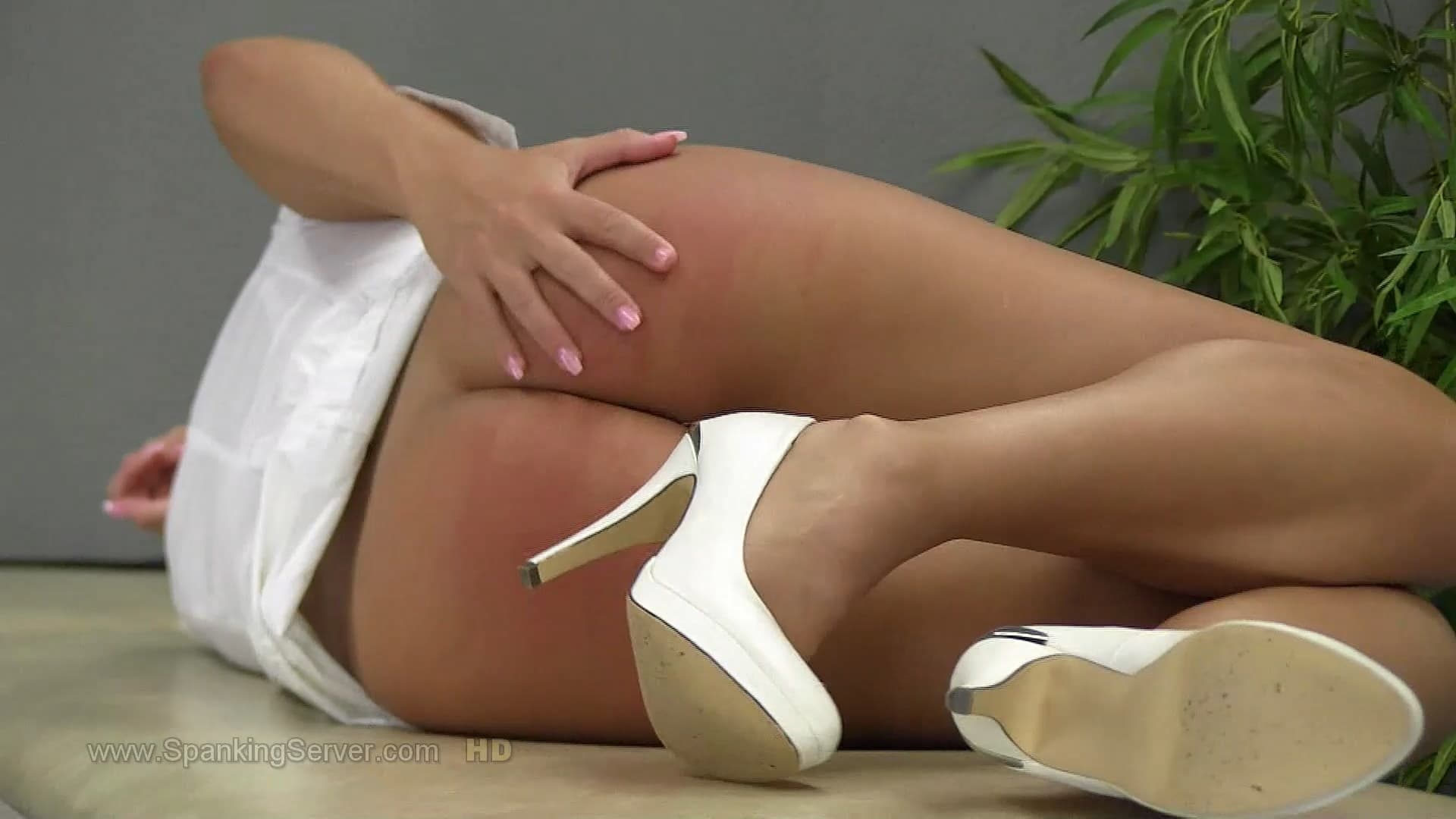 Victoria 2021 10 Week.mp4 snapshot 03.19.000 1 - Spanking Server – MP4/Full HD – Victoria - 2021 - 10 Week
