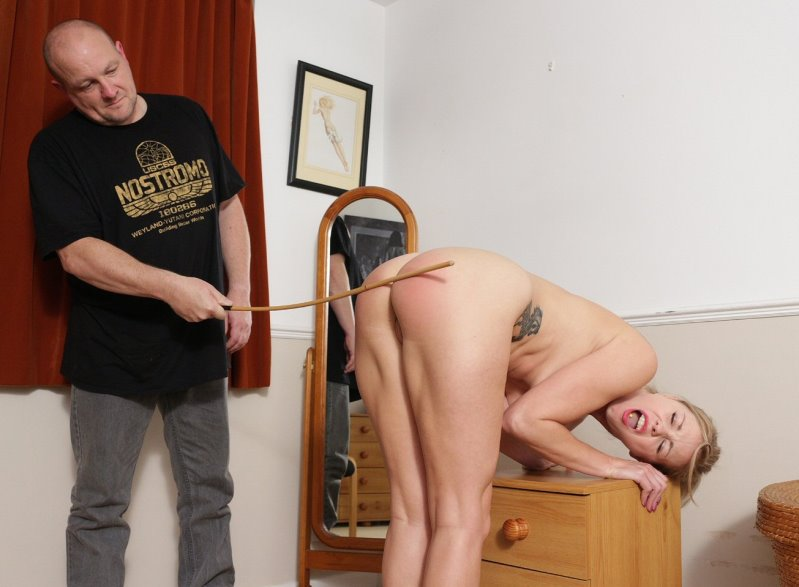 Spanked Cheeks – MP4/HD – Lucy Lauren – Proof Of Punishment